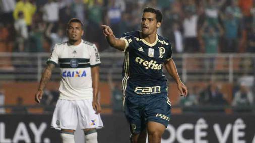 Palmeiras vence o Coxa no Pacaembu e se aproxima de Grêmio e Santos https://t.co/q3MkC1XS5q