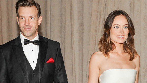 Enews:   Olivia Wilde wishes Jason Sudeikis a happy birthday with a series of love notes: