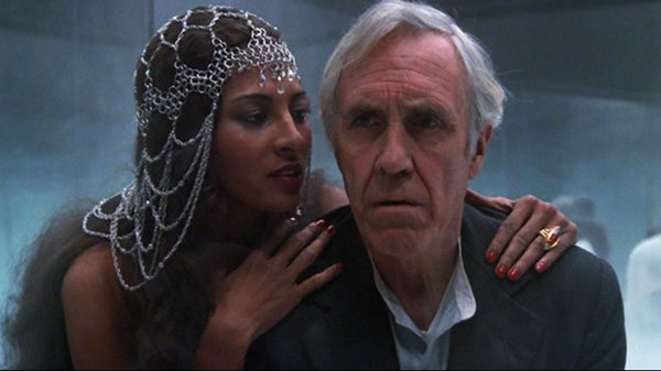 Line from this #horror #film  &quot;For God&#39;s sake, go home!  The man meeting you here isn&#39;t your husband!&quot;  -  https:// goo.gl/FMg2Nb  &nbsp;   <br>http://pic.twitter.com/gGLGMguwn7