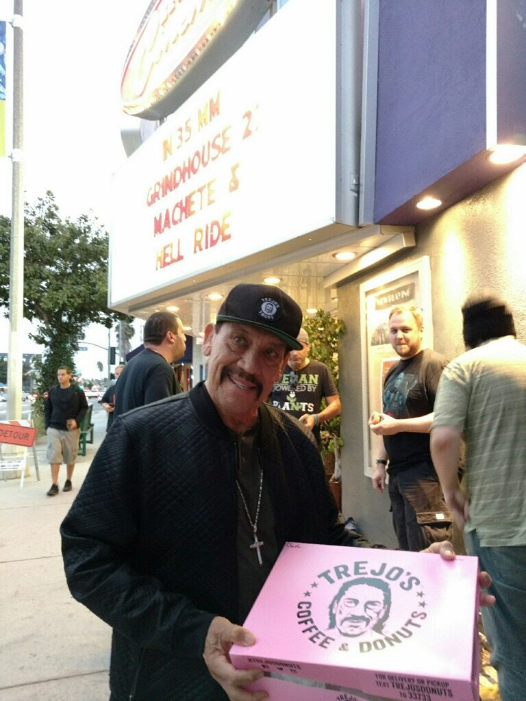 ... sometimes MACHETE shows up to pass out free donuts before his movie. https://t.co/KOejjHGdKo