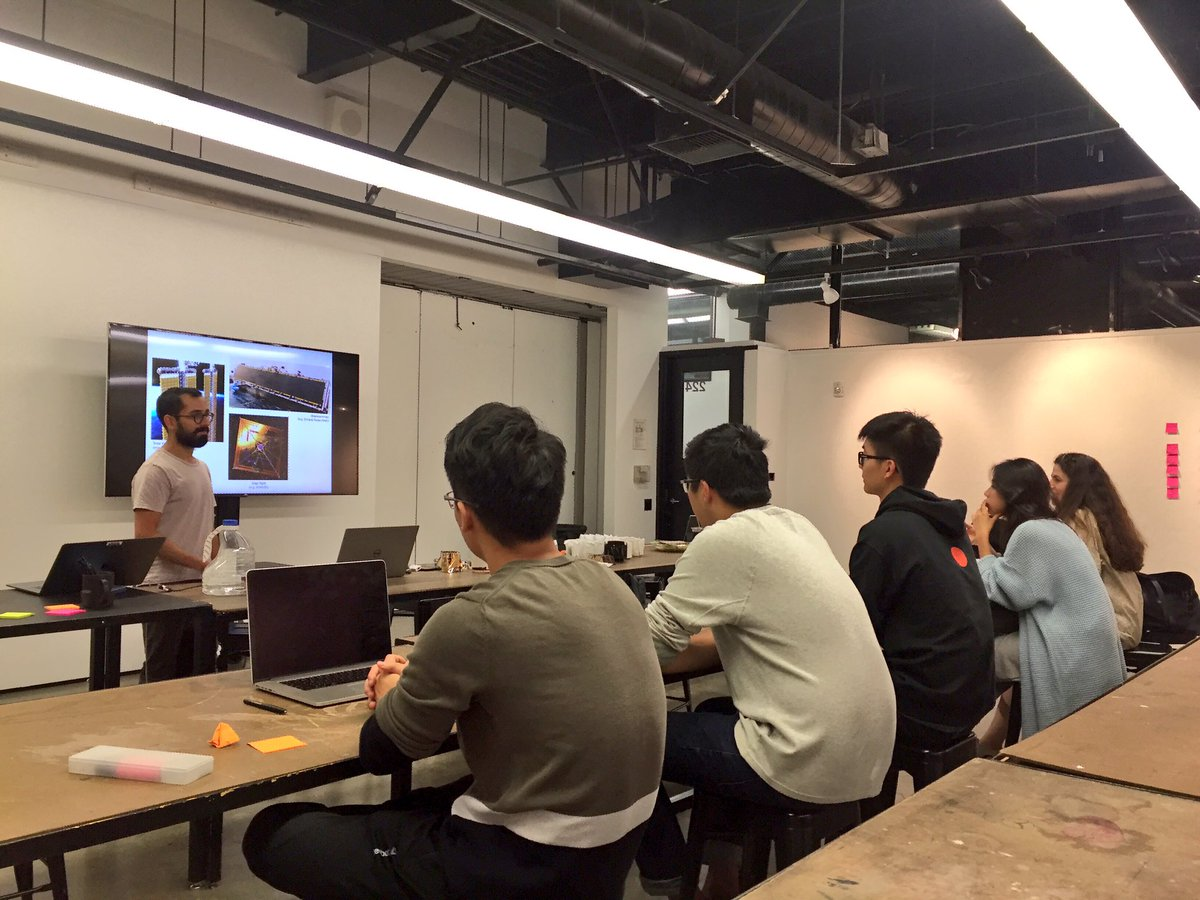 . @spacemanan guest lecturing my #product 3 class abt #prototyping with #origami for his engineering work at @NASAJP #POC #design<br>http://pic.twitter.com/gU11biq0JO