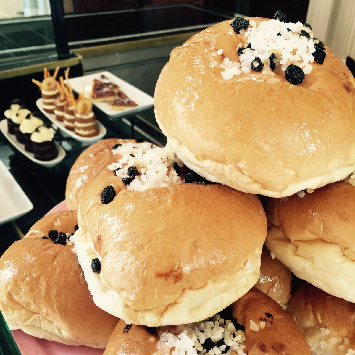 Why are Bath buns the perfect #TuesdayTreat I hear you ask? Because they AARRGGGHHHH!!! #talklikeapirateday is the best day! #PiratesLife <br>http://pic.twitter.com/JqsO6rICFM
