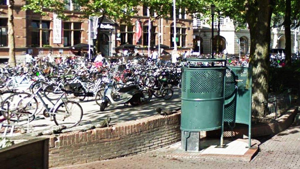 test Twitter Media - Massale belangstelling voor het Facebookevenement 'urinoirplassen voor vrouwen' in Amsterdam https://t.co/MEG8nzwqpW https://t.co/U0UlUZqL5O