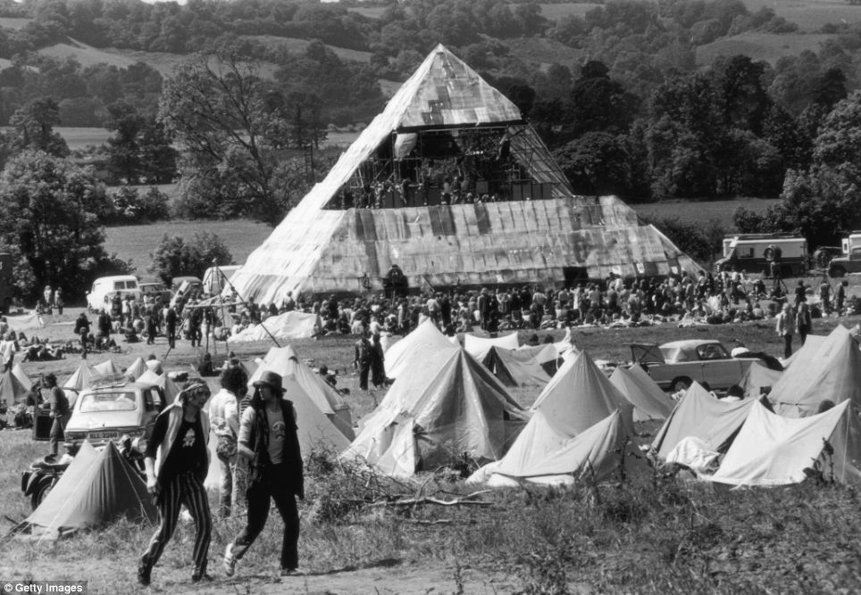Happy birthday Glastonbury Festival, 47 today. On this day in 1970, this happened... https://t.co/whKFe2fyYu