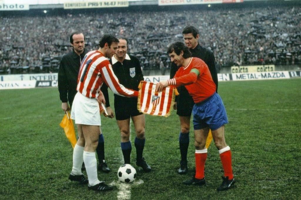 #RedStarBelgrade v #AtléticoMadrid (1973/74)  #DraganDžajić and #Adelardo  #fkcz #AupáAtleti<br>http://pic.twitter.com/quJLFCgCRj