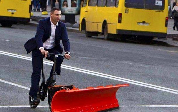НАПК проверяет полет Кличко на чартере со скандальными застройщиками Мыкытасем и Столаром - Цензор.НЕТ 7397