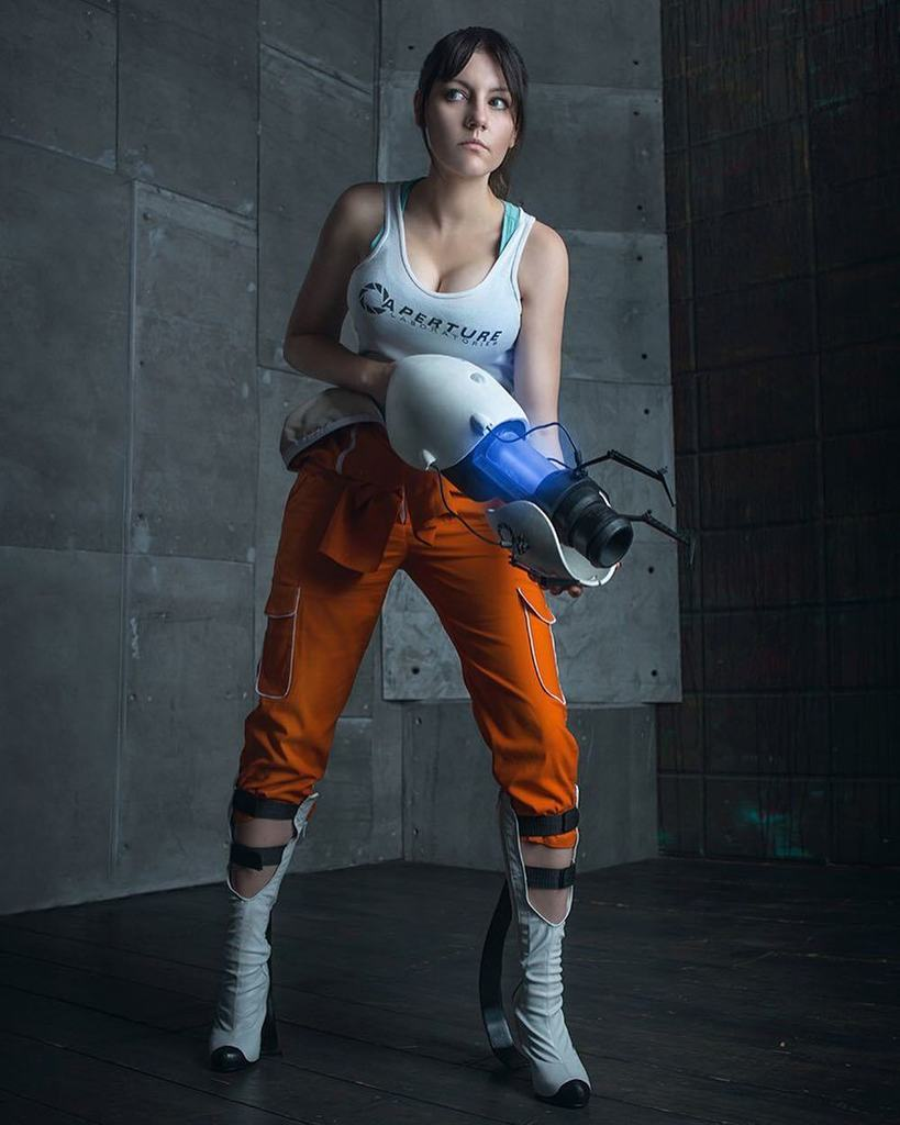 Amiko On Twitter Chell From Portal Cosplay Amiko Chan