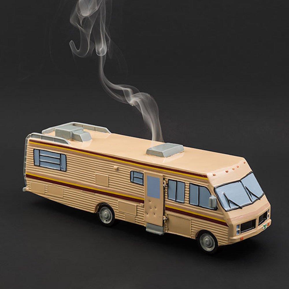 Ce camping-car Breaking Bad est en réalité un brûleur d'encens ! https://t.co/bwenFFPoni