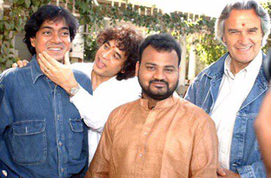 Remembering U Srinivas our music brother and genius extraordinaire, 3 yrs since he left us ???????? Z https://t.co/7JyIChYFJw