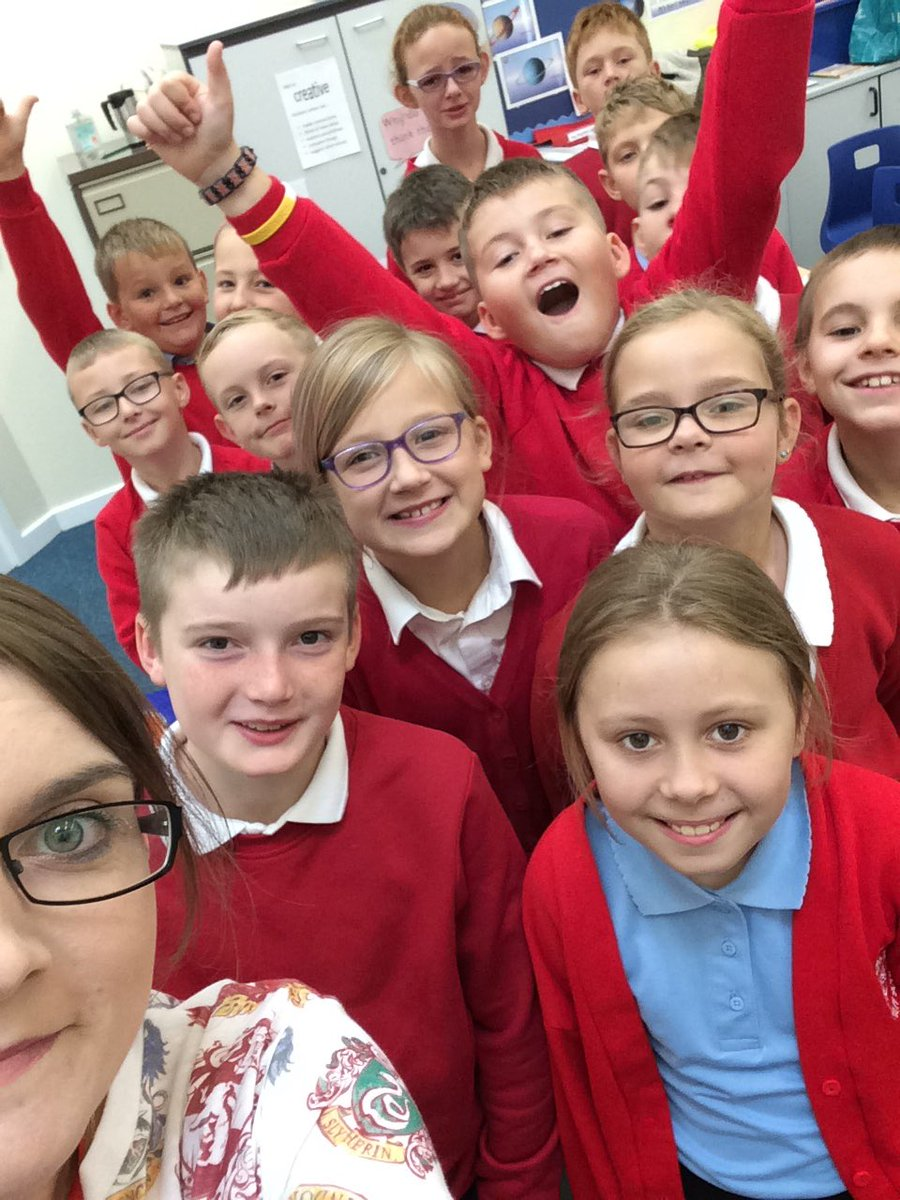 Year 5 getting excited for our trip to the living seas centre. See you soon @ChildrensUni #marinebiology <br>http://pic.twitter.com/luF0tYpQjt