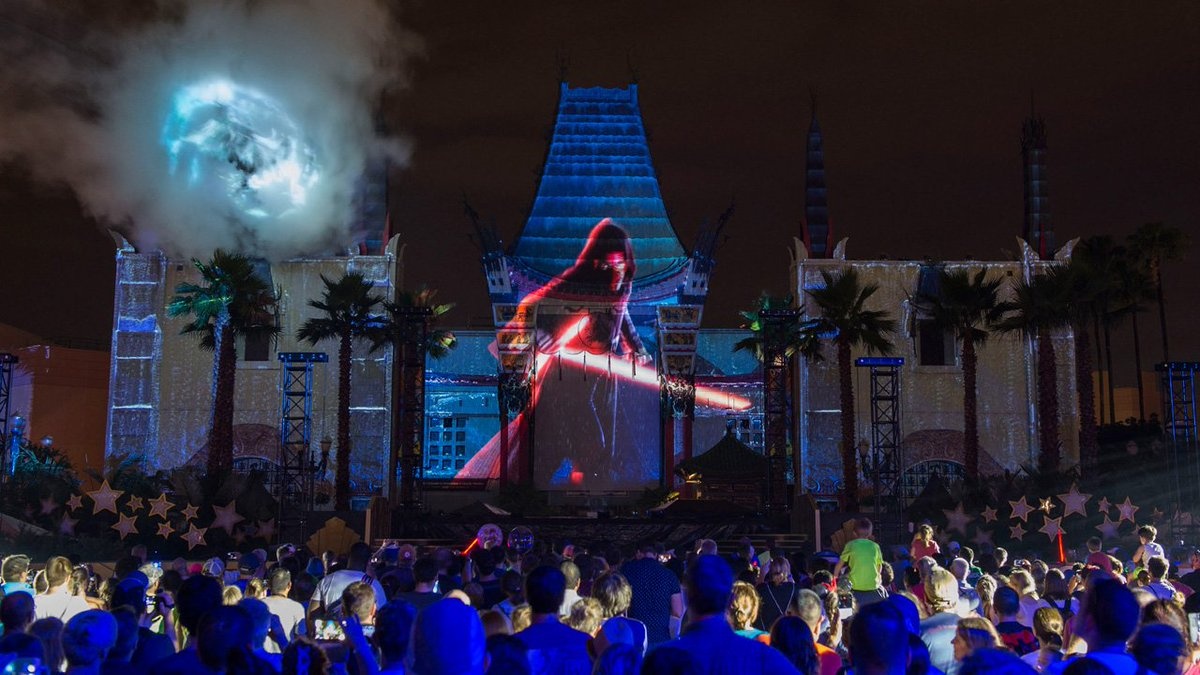 #StarWars: Galactic Nights will return to Disney's Hollywood Studios on December 16!  http:// bit.ly/2fgEAAw  &nbsp;  <br>http://pic.twitter.com/ZtrjcQ8UaN