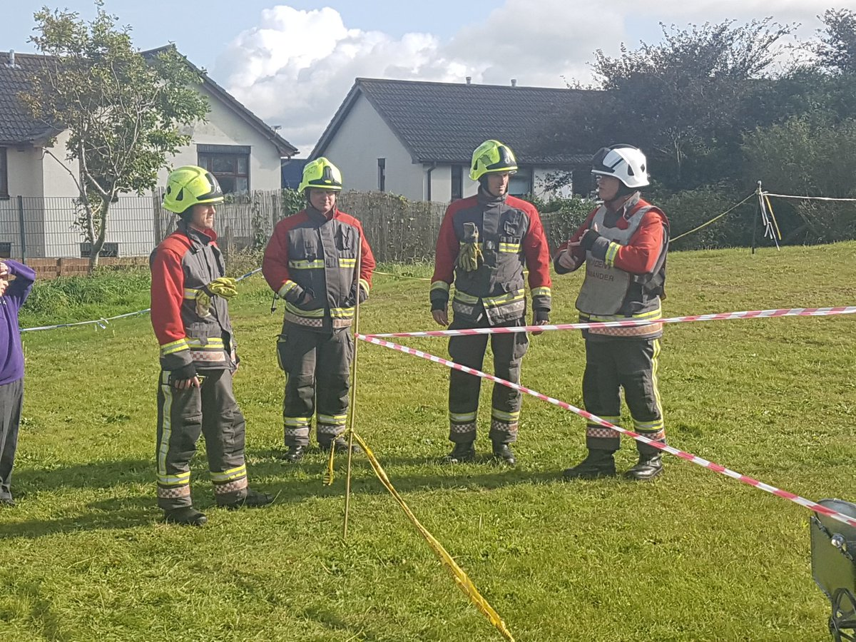 UFO Crash landed at The Bishops&#39;! Fire service now in attendance! #awe&amp;wonder @TLATCornwall<br>http://pic.twitter.com/OSi1jCovpc