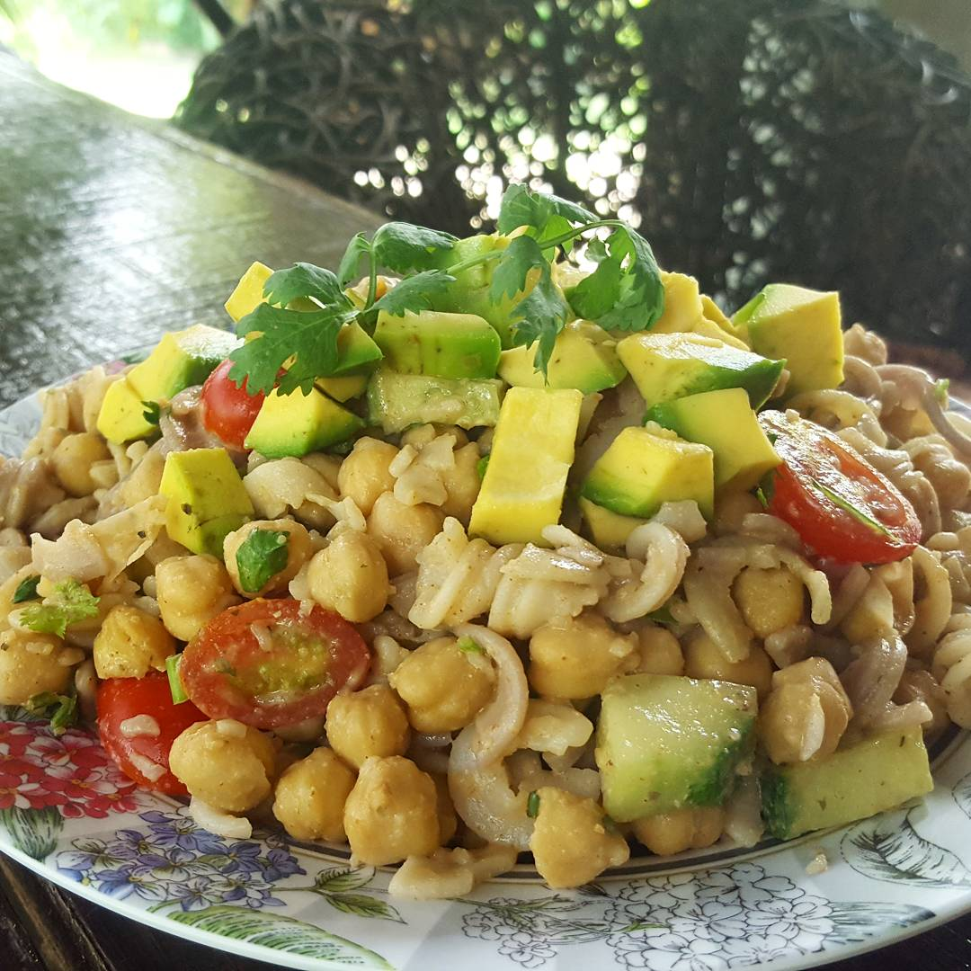 Ooohhh yeah baby... Chickpea Pasta Salad  #Recipe vid here   https:// youtu.be/Co_LWJ8KQTM  &nbsp;   #tasty #easy #cheap #vegan<br>http://pic.twitter.com/aejO0f5kIz