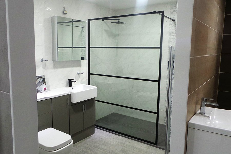 We have a NEW @drenchshowers Deco shower screen display at our Wareham showroom  http:// ow.ly/AJxx30eOano  &nbsp;   #ShowerScreen #BathroomDesign <br>http://pic.twitter.com/gN8JY1JvpC