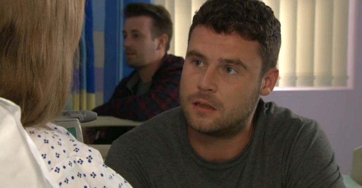 #Emmerdale Aaron covers for Robert after Liv's brush with death - what happens next? https://t.co/XrwxILfpiu…hat-happens-next/