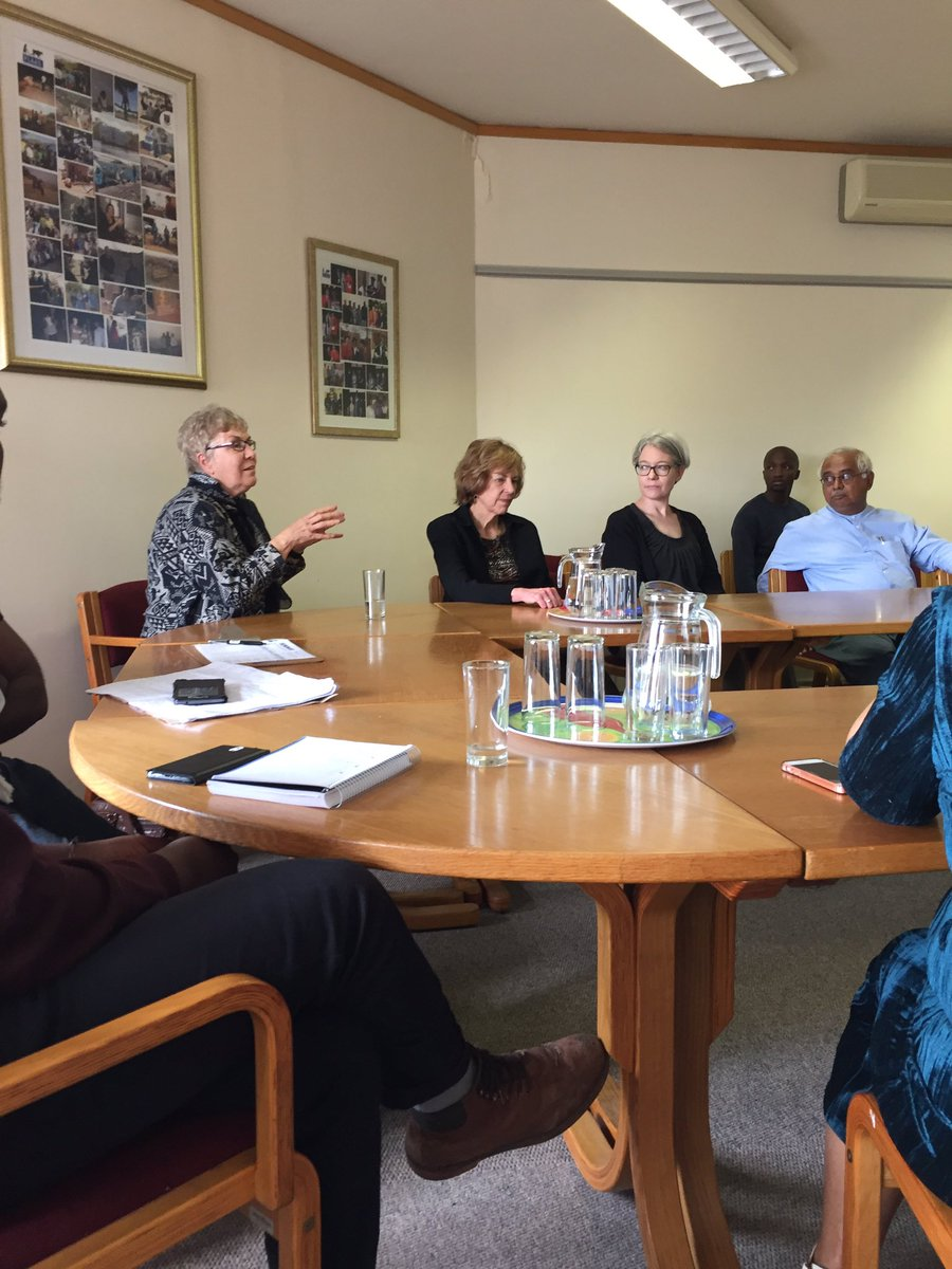 #ResearchImpact @PLAASuwc Seminar - Input from @GKerchhoff&#39;s UCT Supervisor Prof  Mary Nassimbeni<br>http://pic.twitter.com/YcsCw95eGy