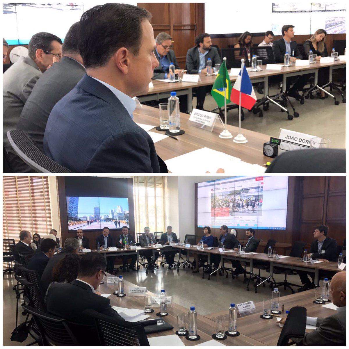 Em reunião com o Cônsul da França e diversas empresas francesas para definirmos detalhes do projeto de Requalificação do Largo do Arouche.