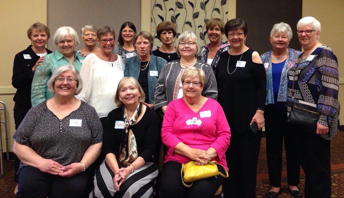 So sweet - Fairview Nurses Alumni Association support scholarships @AugsburgU  https://t.co/l5HiQMm1YZ https://t.co/vN5rDlu33b