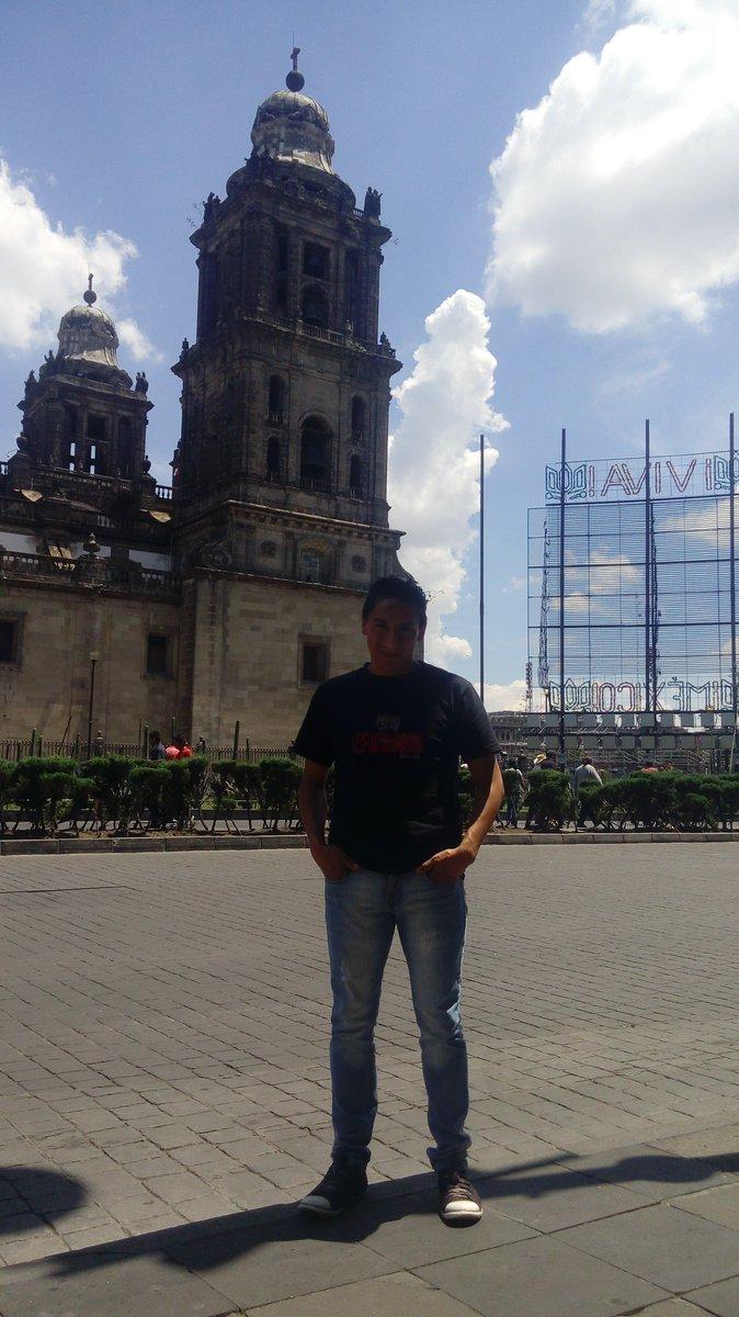 #PatotaDePerro en #CDMX #caminatalarga y feliz, siempre me gusta regresar :) pic.twitter.com/YRQxmSojka