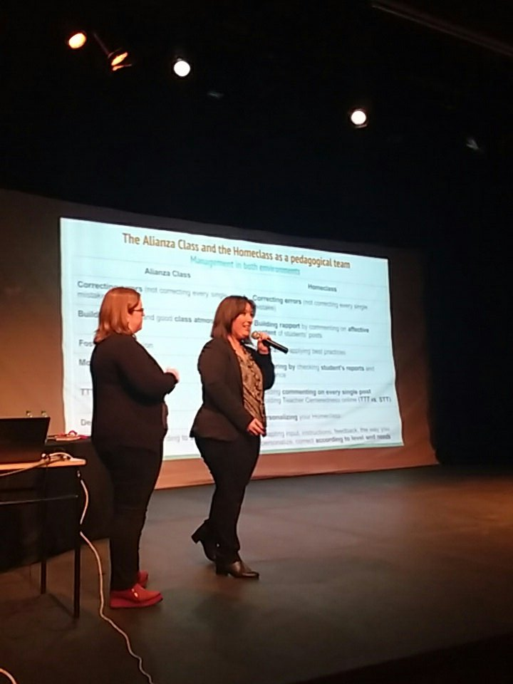 @MerniesV and @BattaglieseG  reflecting on hybrid pedagogies and helping teachers develop their online persona at our #PDD  @alianzaeduuy<br>http://pic.twitter.com/Femy5GgBQO