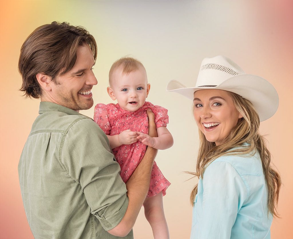 becoming a heartland with more heart Heartland season 10 started airing on parents have also lauded #heartland as being one of the few series' currently airing on tv that is actually appropriate and enjoyable for who is a character that many girls and young woman look up to, could be represented as a more mature.