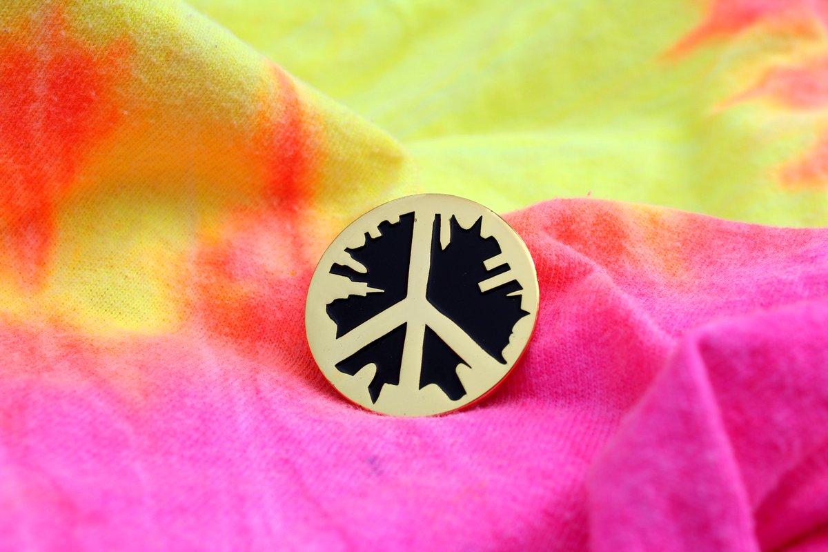 Peace, love and custom pins for @ChiPeaceFest #peacefest #custompins #lapelpins <br>http://pic.twitter.com/63DWCkZXgu
