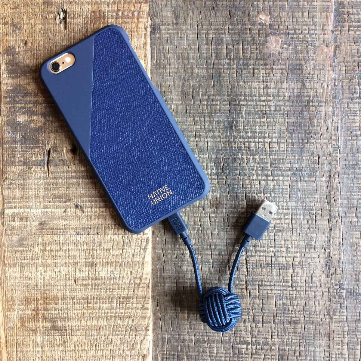 WIN an iPhone case &amp; charger from our friends @Native_Union! Simply RT &amp; Follow both of us to enter #Competition #WinItWednesday<br>http://pic.twitter.com/KIk13lKARh