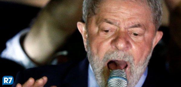 Lula lidera em todos os cenários para 2018, mostra pesquisa https://t.co/XsuuMR3Cta