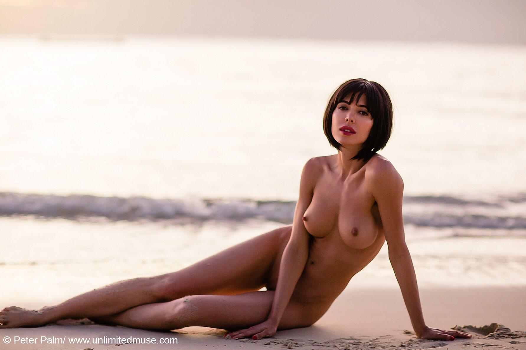 cum on naked tranny giif