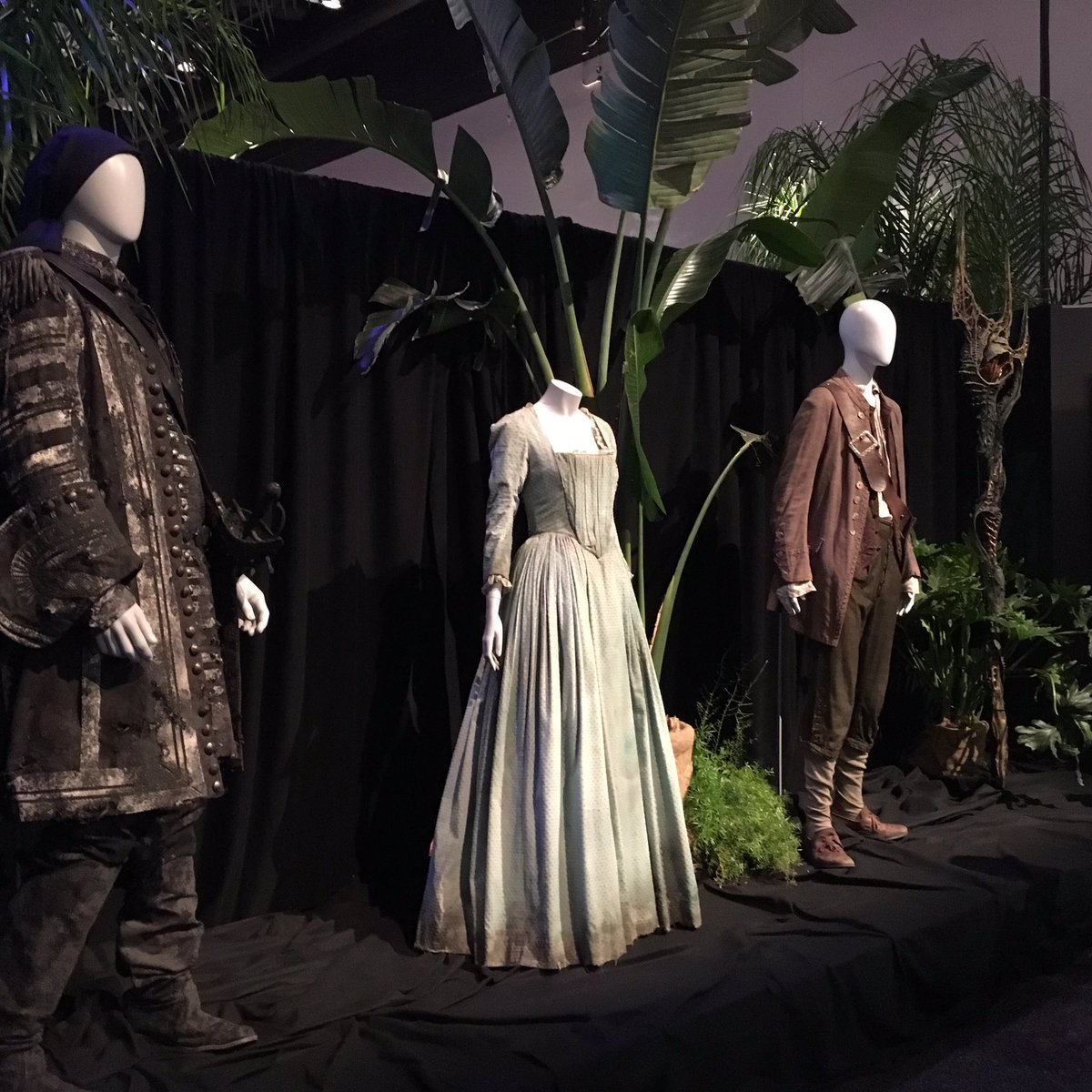 Costumes from @DisneyPirates from #D23Expo for #TalkLikeAPirateDay!<br>http://pic.twitter.com/ix1xlBDfoW