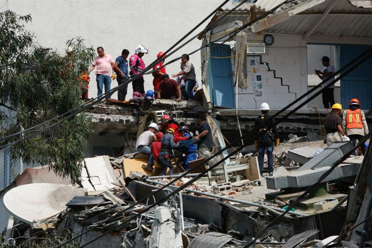 Sismo de 7,1 no México já fez mais de 90 mortos https://t.co/xvt649KcYu