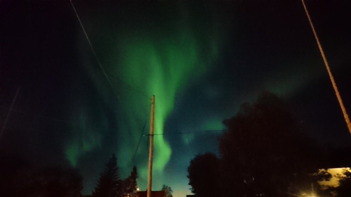 Right now in Tromso #Auroraborealis #northernlight #Tromso #visittromso #StormHour<br>http://pic.twitter.com/2Nt9y8sJLj