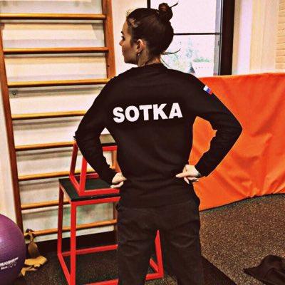 Adelina Sotnikova  - #НовыйАватар twitter @sotnickova2014