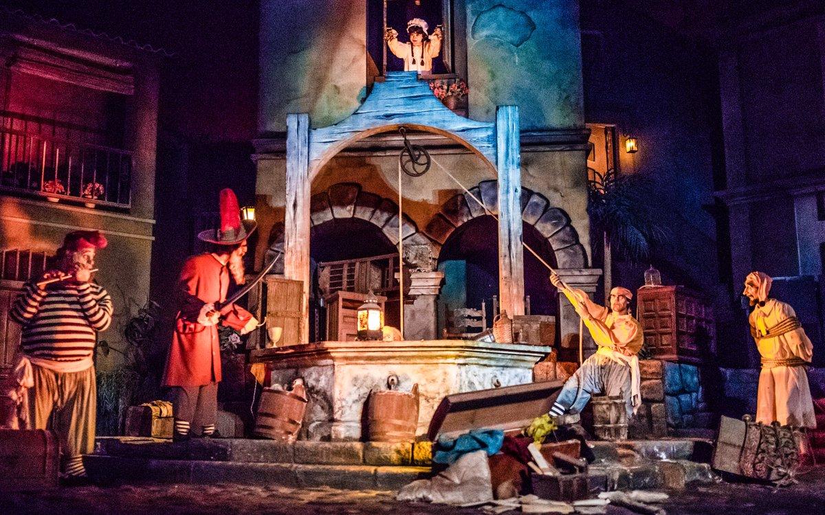 Don&#39;t tell him, Carlos! Don&#39;t be chee-cken!  #TalkLikeAPirateDay #POTC #piratesofthecarribean<br>http://pic.twitter.com/qnZAR2v8d3 &ndash; at Disney California Adventure Park