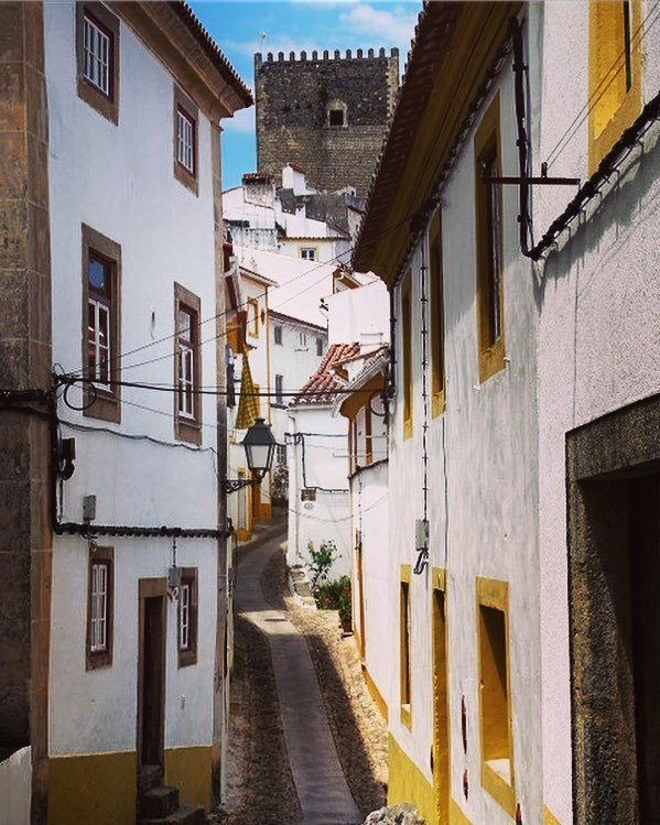 Road to the castle #Portugal #Marvao #castle #travelpicture #Streetview #pa_travels #niceview #smalltown<br>http://pic.twitter.com/L6EsHLlYli