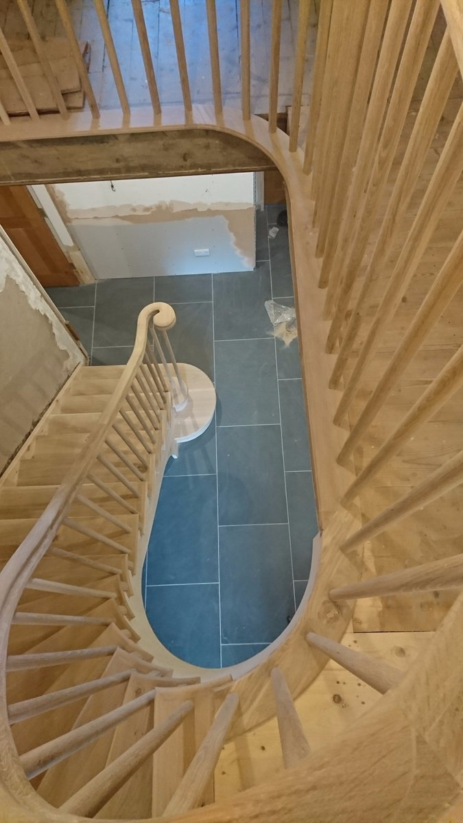 Our curved staircase is almost complete, all sanded &amp; ready to be oiled.... #curvedstaircase #curvedhandrails #solidoak #madeinderbyshire <br>http://pic.twitter.com/aEx3ZAfoUn