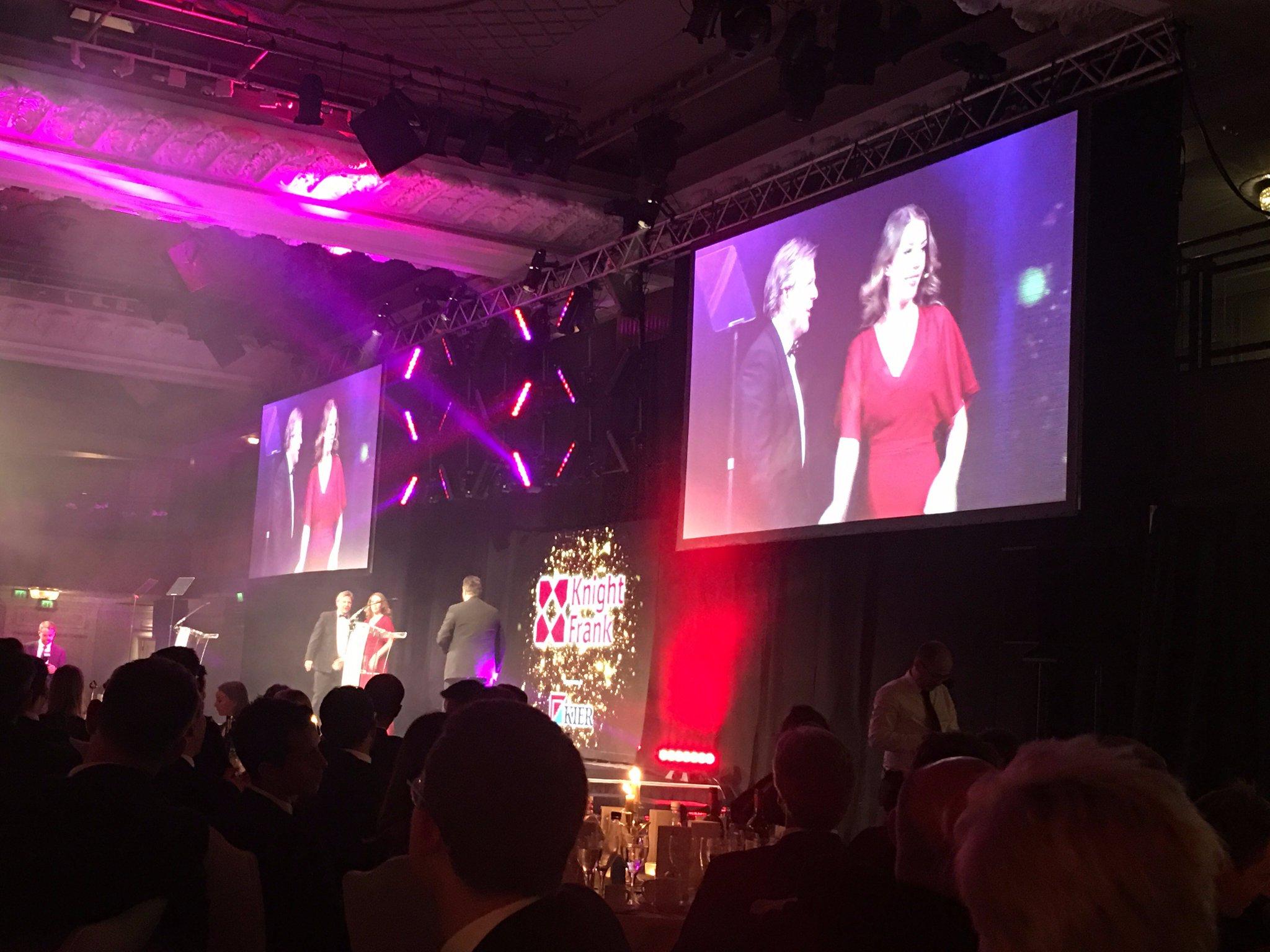 Congratulations @knightfrank on winning 'Industrial Advisor of the year' #EGAwards17 @EstatesGazette https://t.co/hKbMgju54x