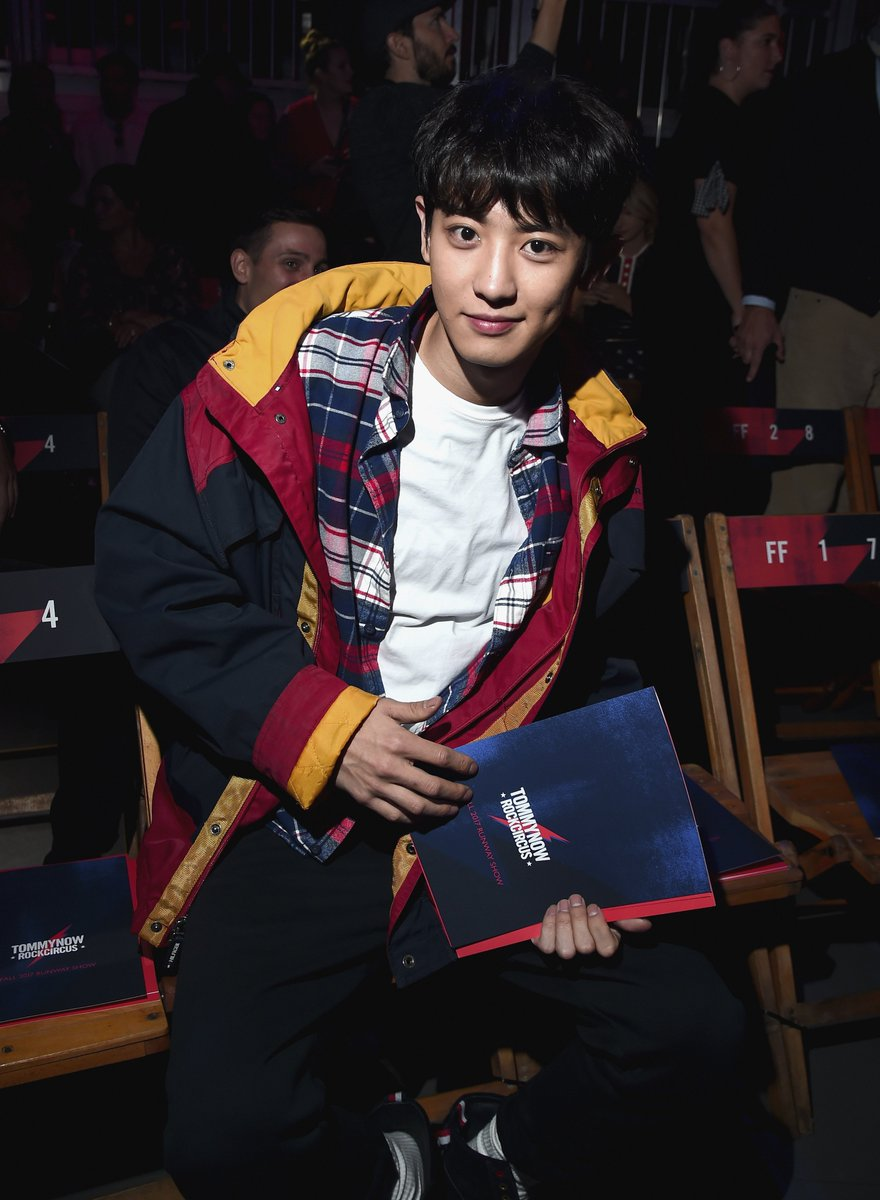 The ultimate Tommy boy #CHANYEOL joins the party straight from South Korea #TOMMYNOW #LFW https://t.co/IfU6uHn1qN