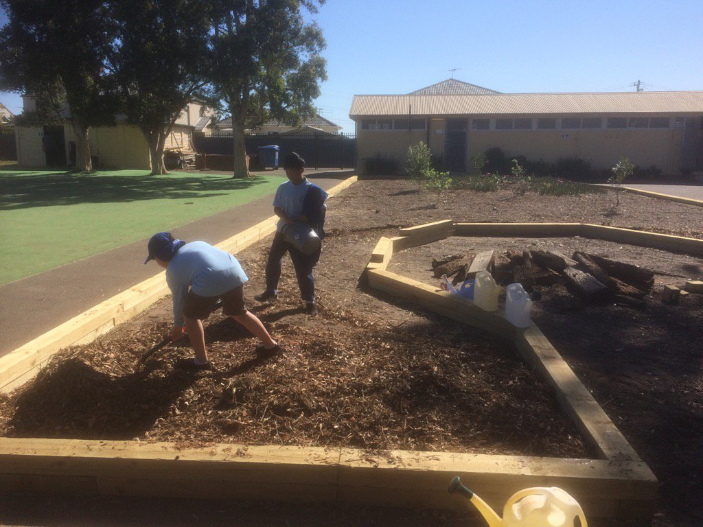 #CanleyHeightPS making a start on their new #outdoorlearningspace #you...