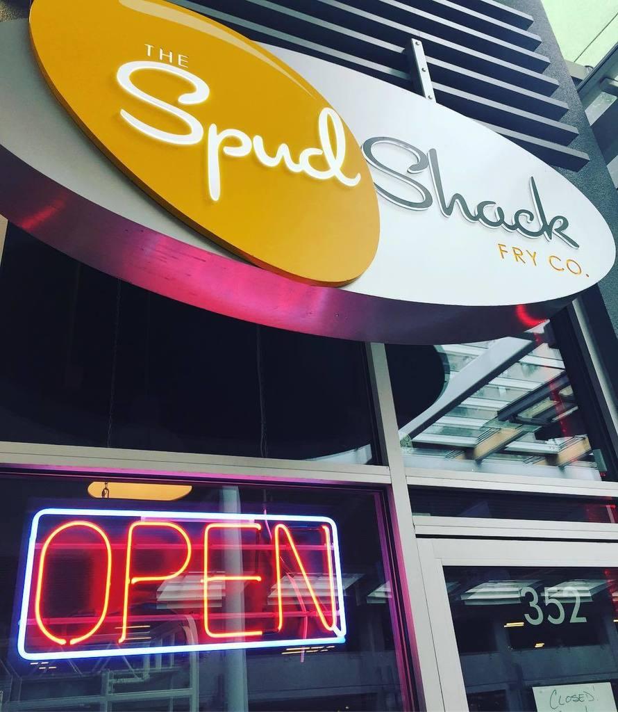 We&#39;re Now Open!!! Thanks for your patience. Come get your Poutine fix! Open til 10pm. #spudshack #poutine #newwest…  http:// ift.tt/2jJ3Gtj  &nbsp;  <br>http://pic.twitter.com/D1t2fxhhLZ