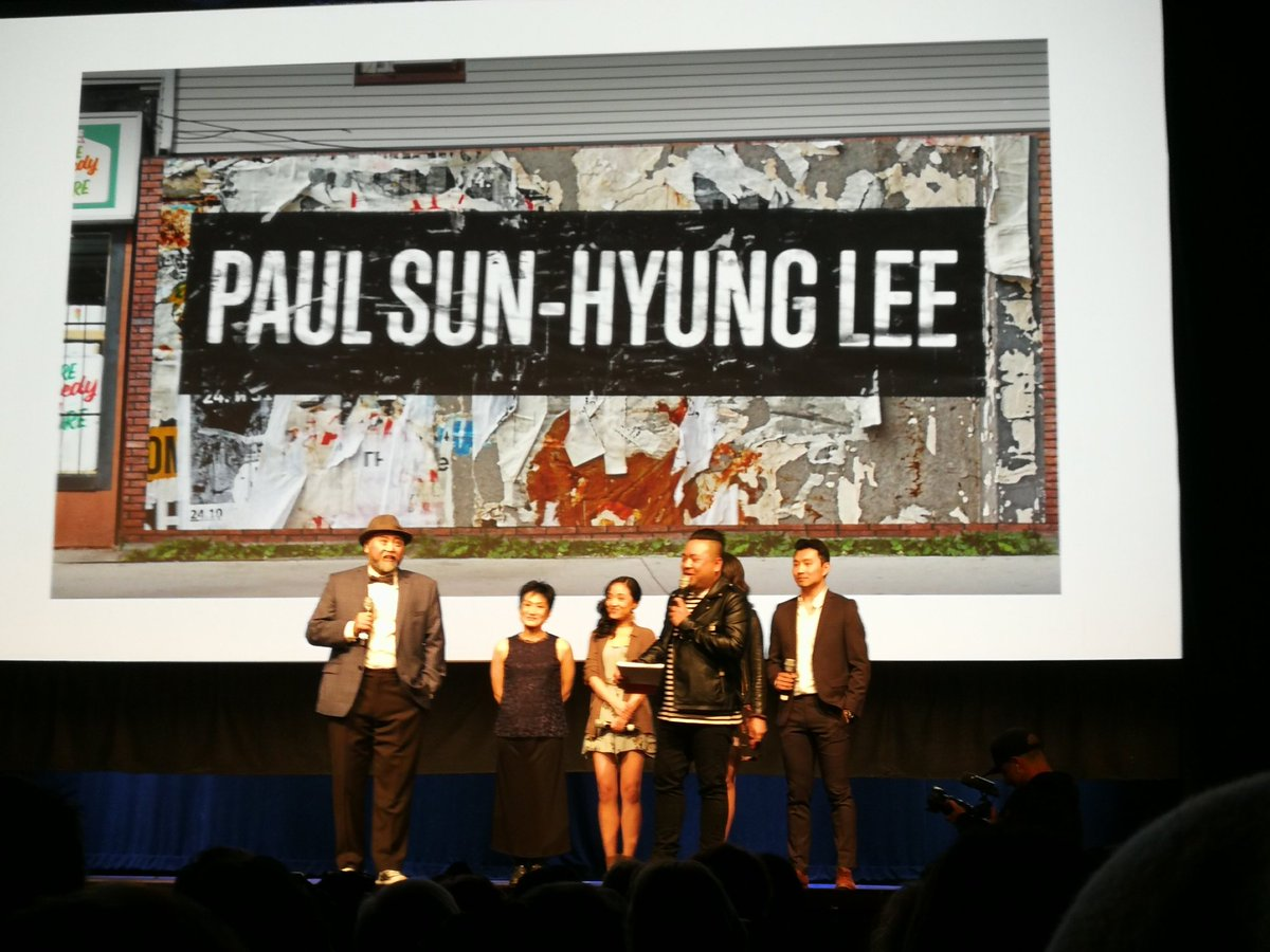 Paul Sun-Hyung Lee just gave the most truthful &amp; heartfelt speech of the night on #POC actors in film #inspired @bitterasiandude #kimsontour <br>http://pic.twitter.com/B3abPQCr94
