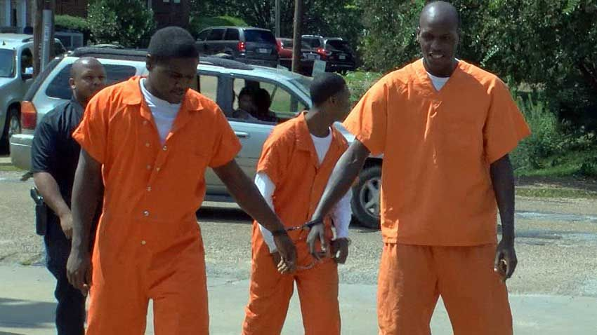Inmates break out of jail to burglarize business before sneaking back in to jail #wmc5 >>https://t.co/xPKTBKBO05