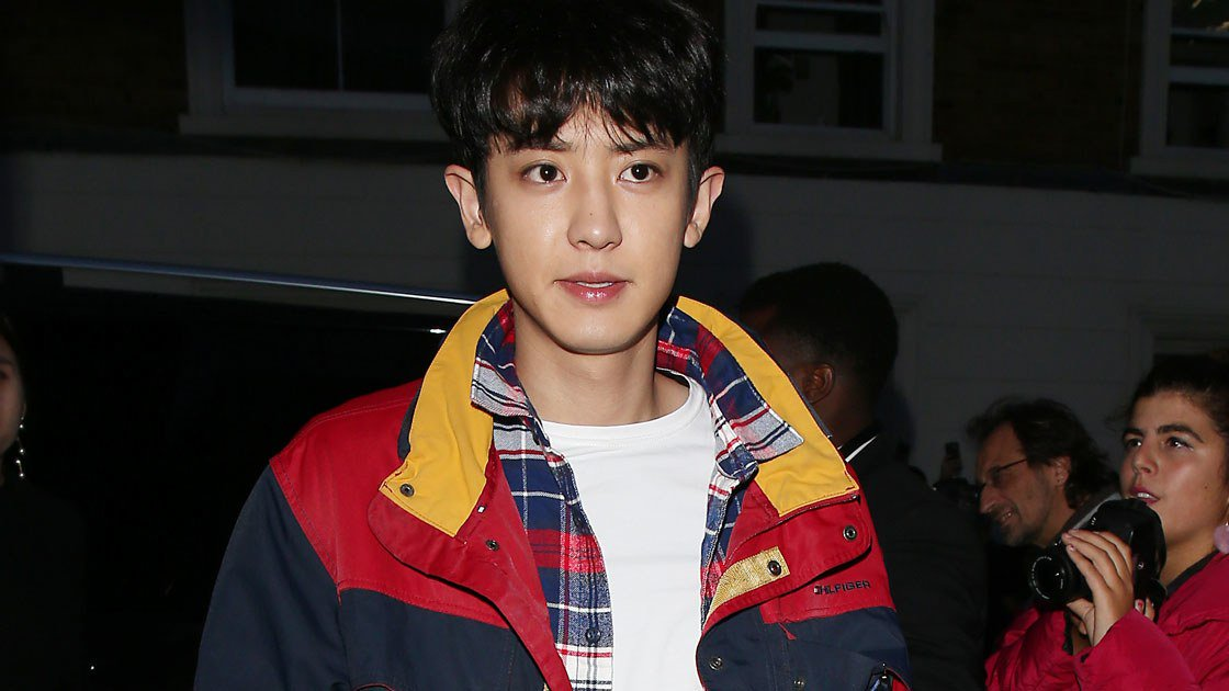 .@weareoneEXO boy band member Park Chan-yeol (aka Chanyeol) stole the spotlight at @TommyHilfiger's London show: https://t.co/8H1wv2un3z