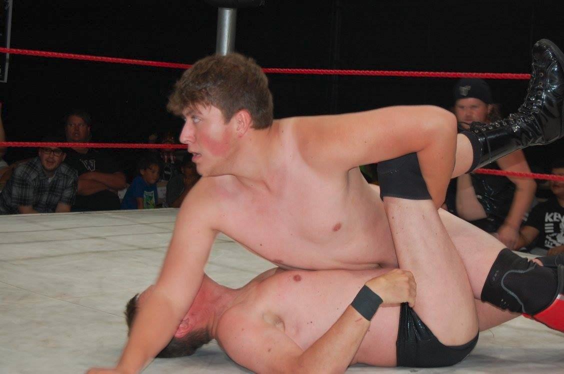 My Utah pro wrestle buddy from  http:// GlobalFight.com  &nbsp;   #utah #pro #wrestling #wrestlers #man #men #fighting #pinned #tapout #grappler #cute<br>http://pic.twitter.com/mnE6qKBvwP