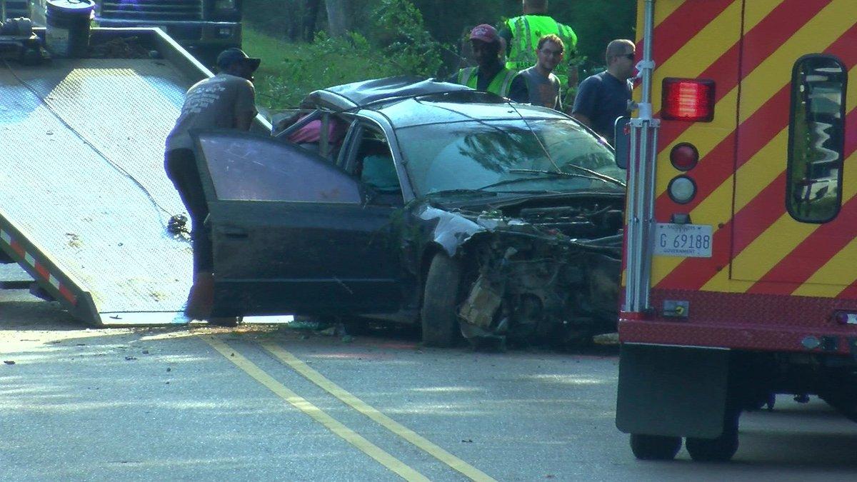1 child killed, 3 others injured in Marshall County crash #wmc5 >>https://t.co/XBeNakOQ7q