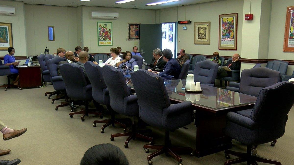 Memphis City Council discusses suing drug companies over opioid crisis #wmc5 >>https://t.co/a4APNjCs0p