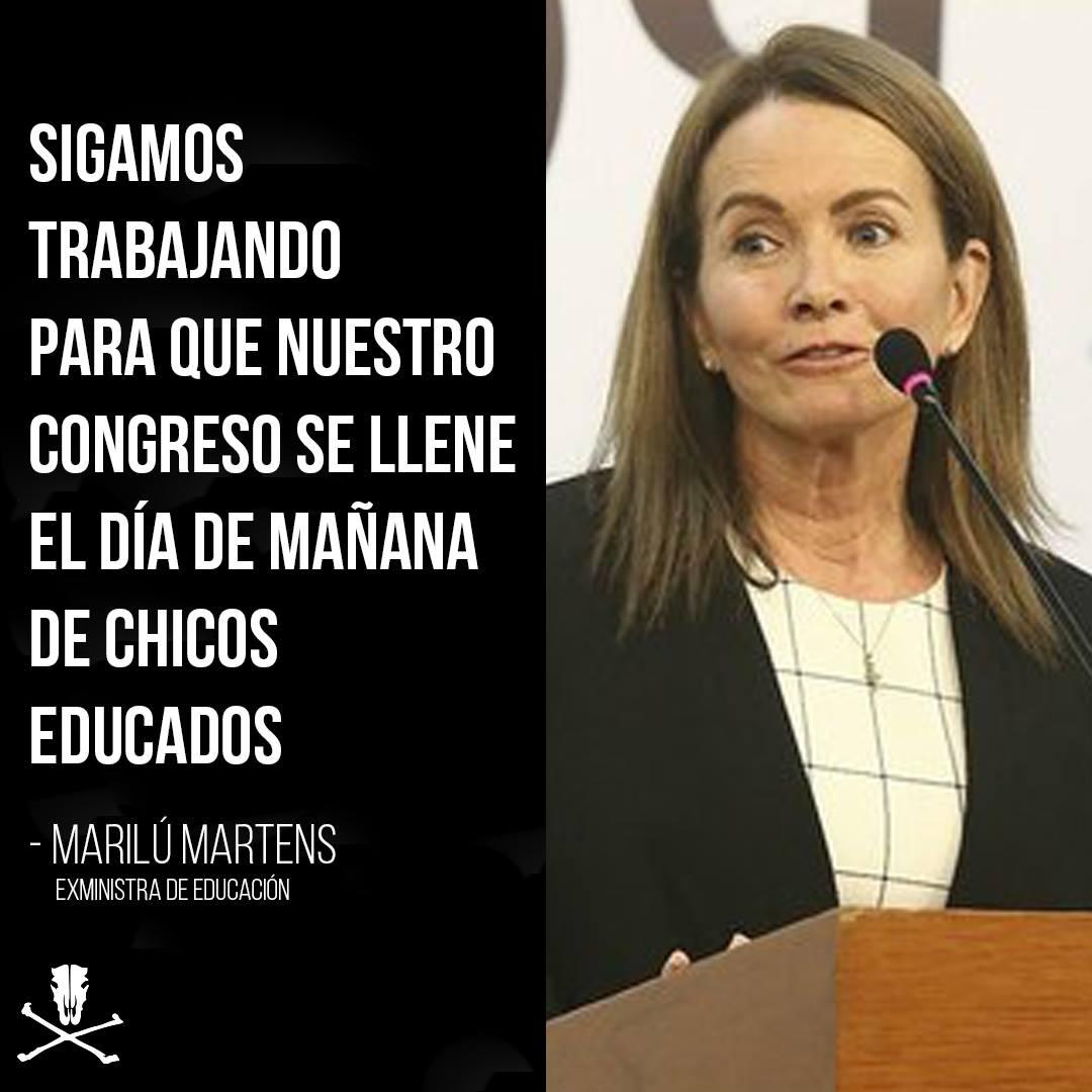 """¡AUCH! Así se despidió #Martens (dejando esta """"chiquita"""") [VIDEO] ► https://t.co/nfYYugu1mJ https://t.co/R9LaUzQVqy"""