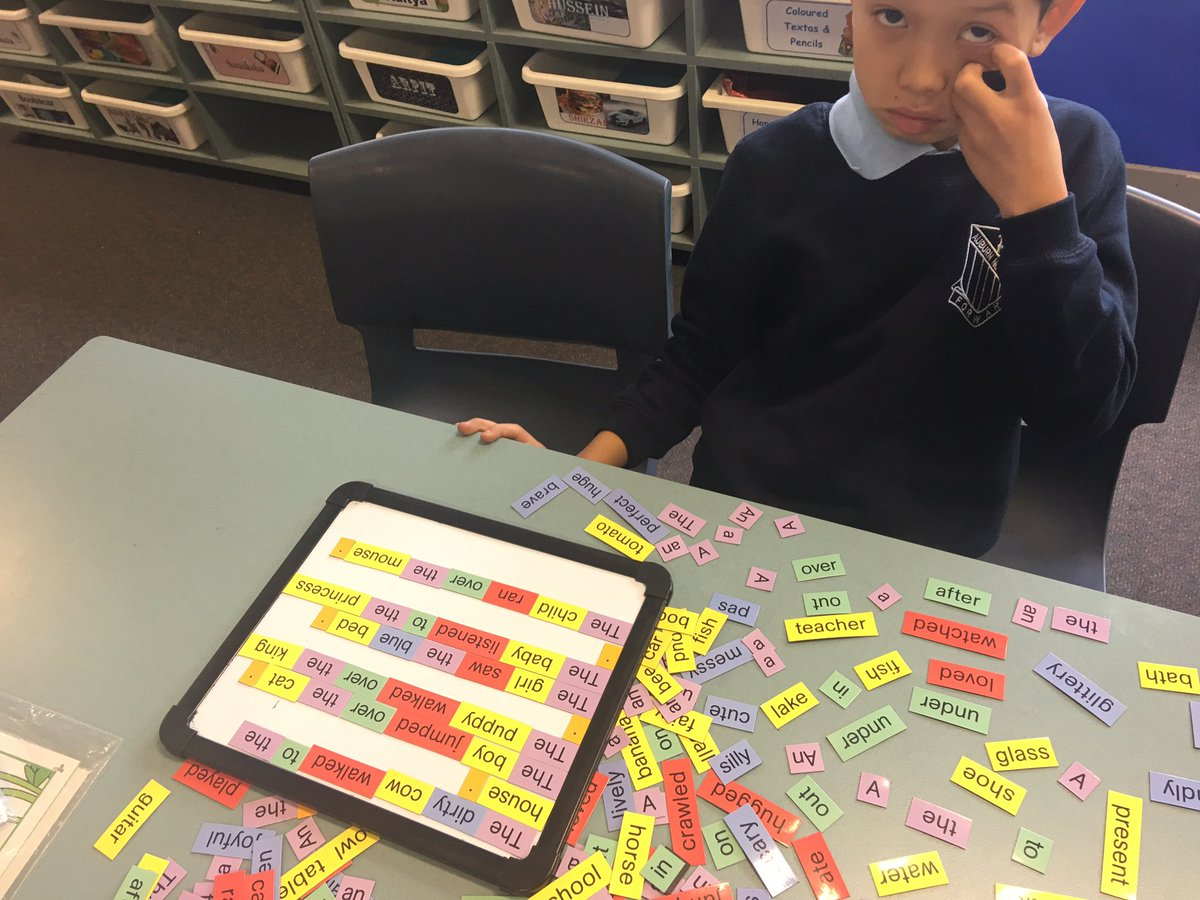 EAL/D new arrival Ss in 5G @AuburnNthPS working on independent literacy activities #sentences #sightwords #phonics #sounds <br>http://pic.twitter.com/Kzz6LGZysz