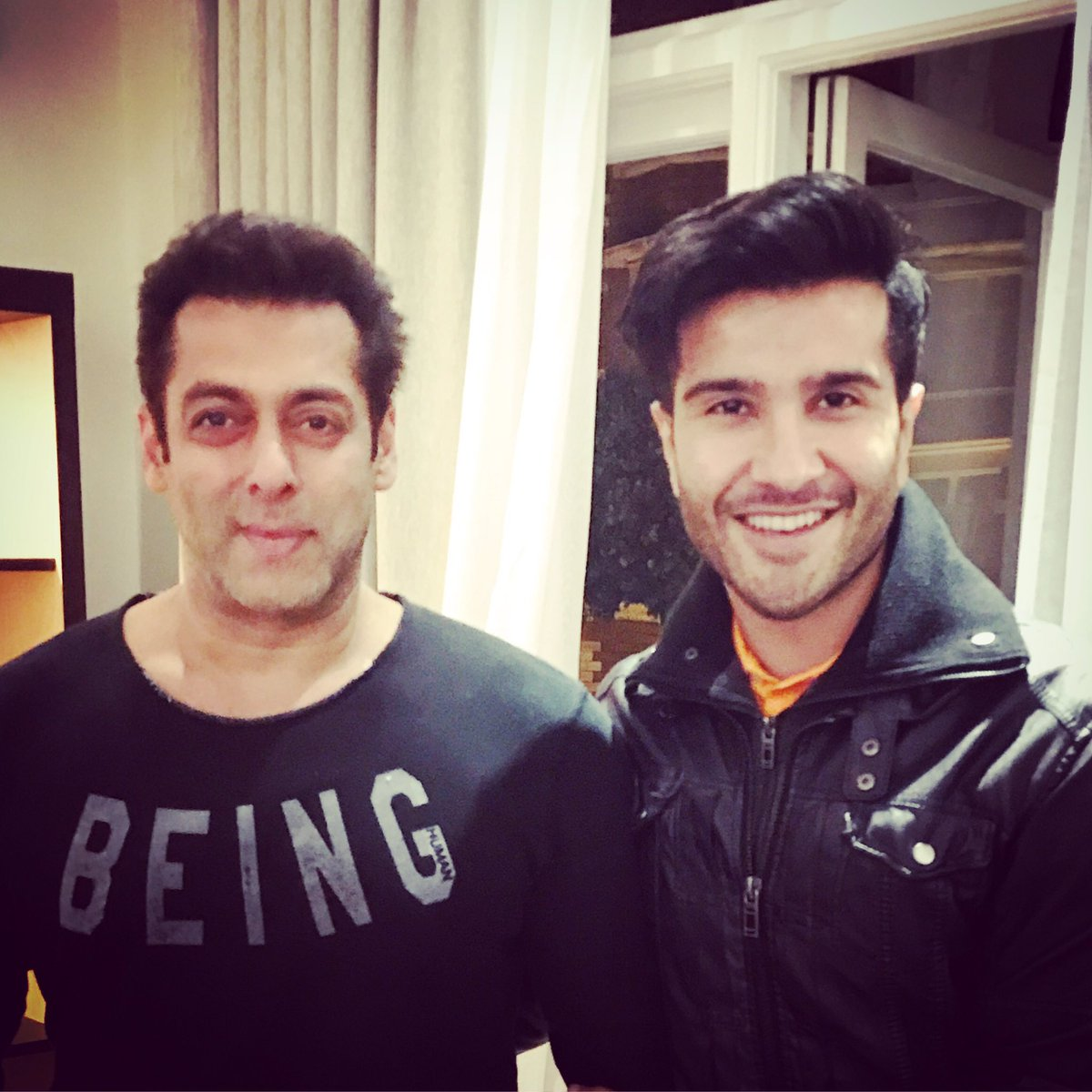 - Being Human on a Tuesday night in London. #London17 #SalmanKhan #FANMOMENT <br>http://pic.twitter.com/WIHdJp9njw