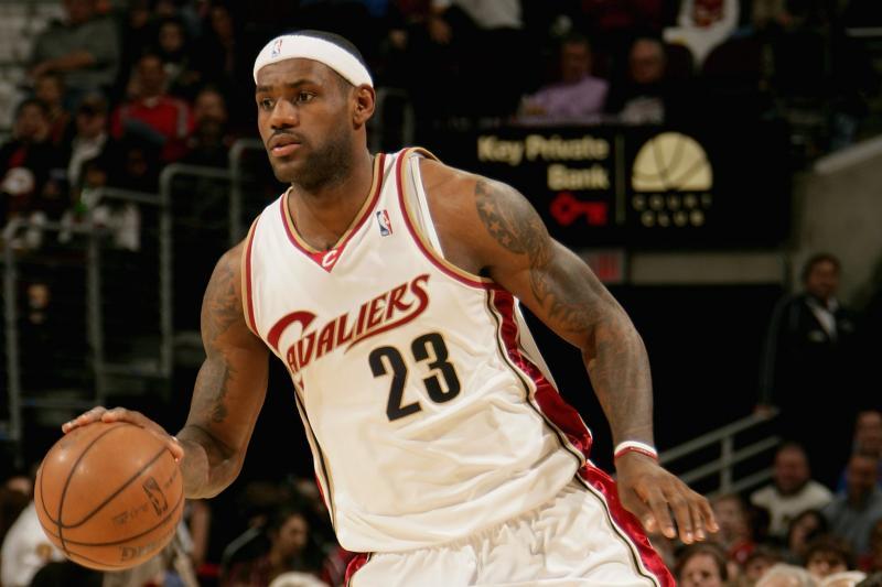 LeBron, Bird or KD?  Greatest small forward season in modern NBA history by the metrics 👉